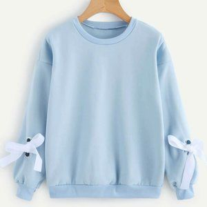 NEW Kfashion Sweater w/ Bow Ties on Sleeves Size M